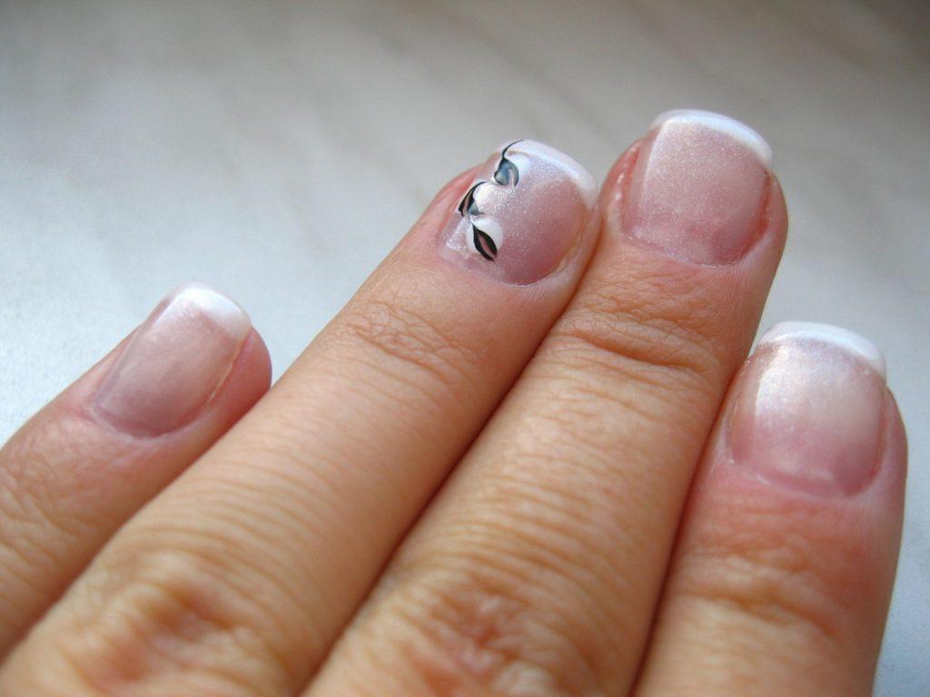 Stosuj odzywki do paznokci