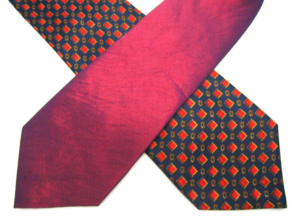 Węzeł Nicky – sposób na niepognieciony krawat